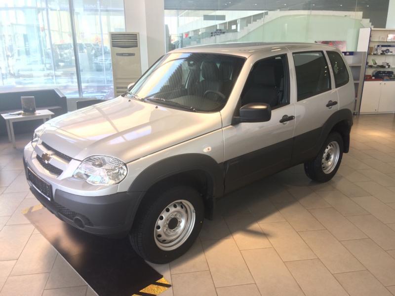 Chevrolet niva Niva 1.7 MT (79,6 л. с.) L