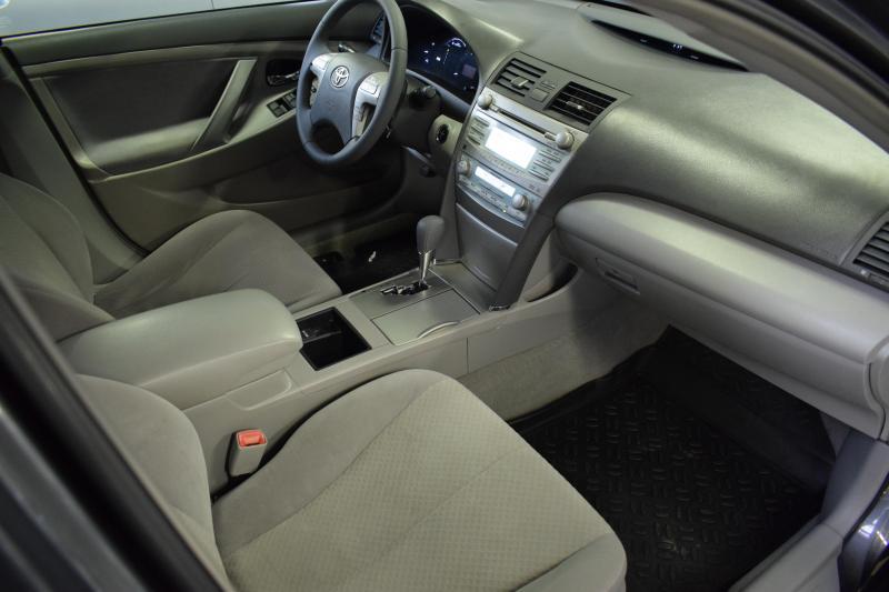 Toyota Camry 2.4 Hybrid CVT (187 л. с.)