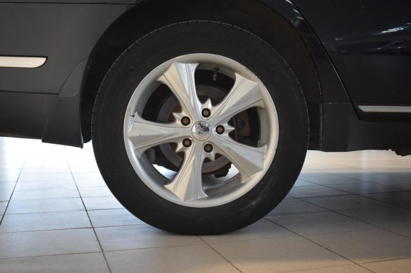 Nissan Teana 2.3 AT (173 л. с.)