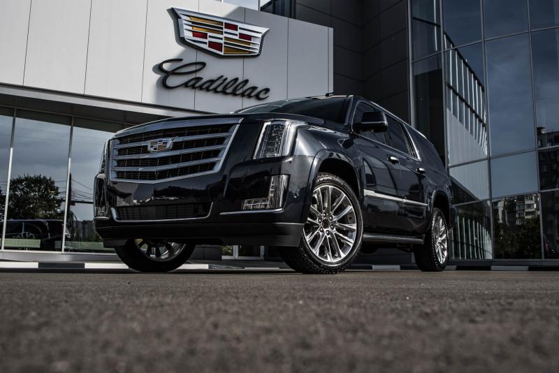 Cadillac Escalade 6.2 V8 АТ 4WD ESV (426 л.с.) Luxury