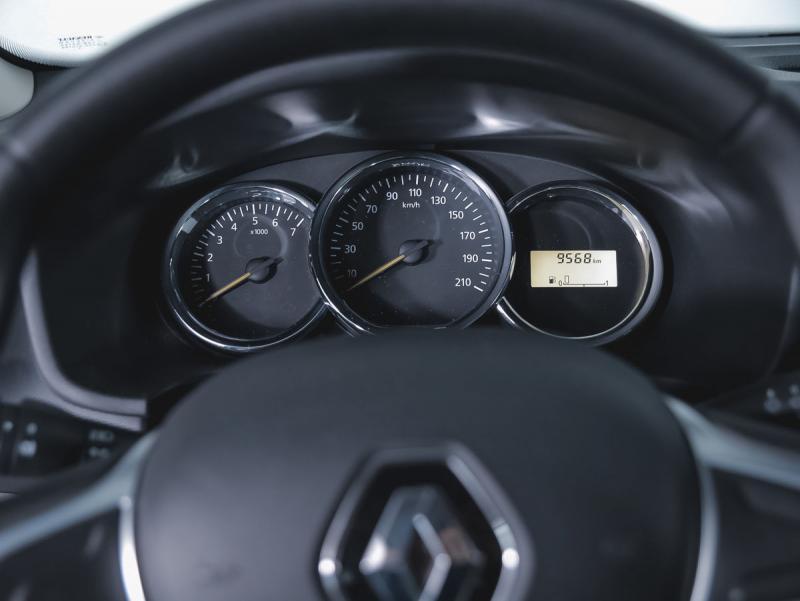 Renault Новый Logan 1.6 MT (82 л.с.)