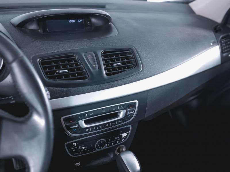 Renault Megane 1.6 AT (106 л. с.)