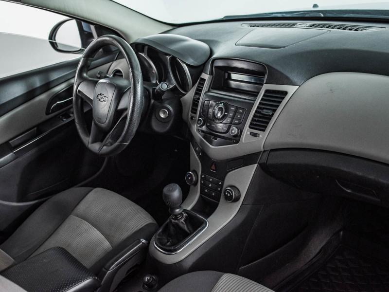 Chevrolet Cruze 1.6 MT (113л.с.)