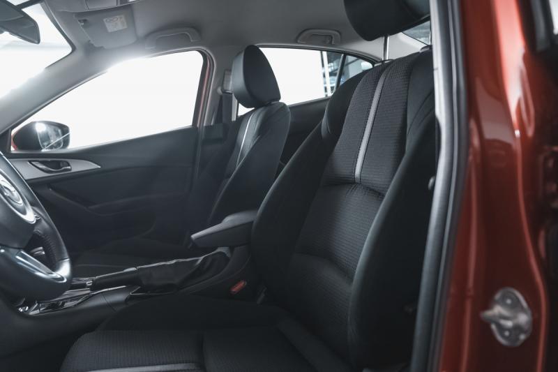 Mazda 3 1.5 AT (120 л.с.)