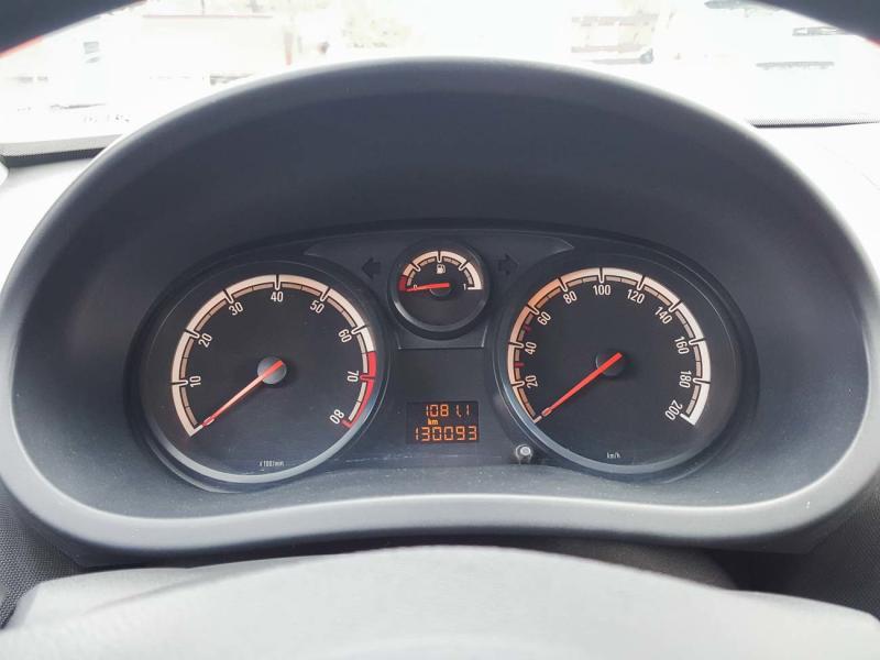Opel Corsa 1.0 MT (60 л. с.)
