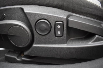 Opel Insignia 1.6 Turbo MT (180 л. с.)